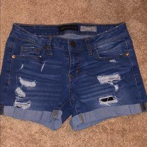 Aeropostale high waisted midi jean shorts 🤍